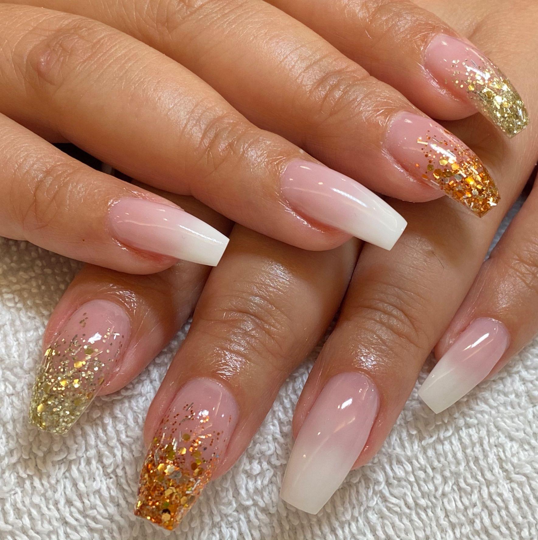 husie naglar och massage